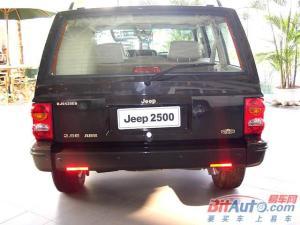 Jeep2500正后水平图片