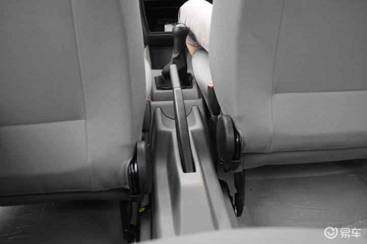 汽车图片 大众 一汽-大众 捷达 2008款 cif—p 伙伴  关闭 0/12008款