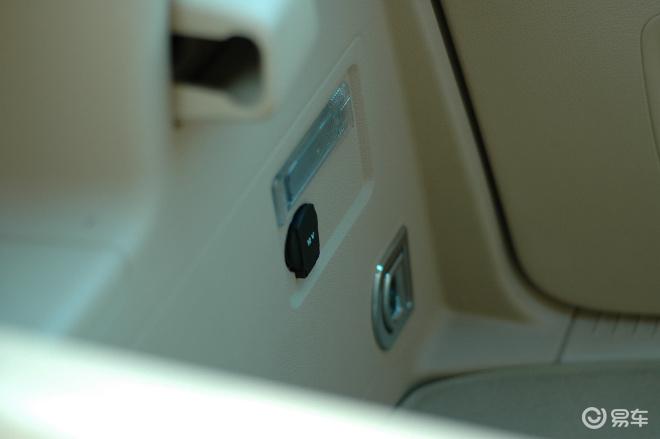 途安 1.8t智尊版 自动挡7座途安内饰高清图片