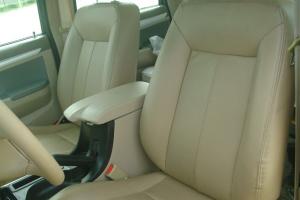 威豹驾驶员座椅图片