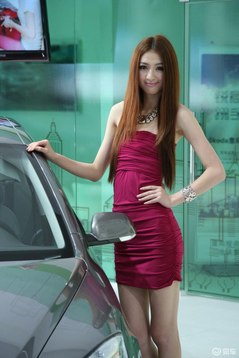 【车模美女图片】 易车网bitautocom 竖