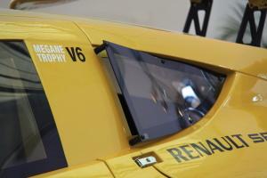 雷诺赛车图片