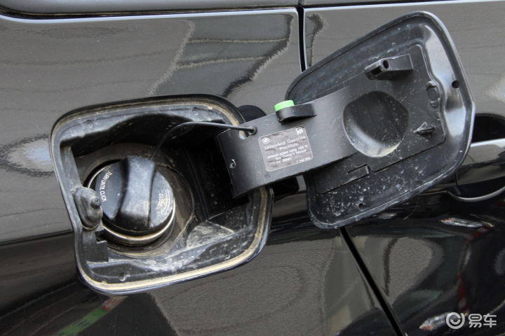 宝马汽车油箱结构图图