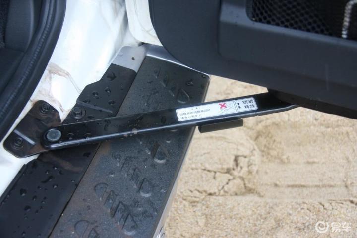 帕杰罗 V73 3.0 GLS MT2011款帕杰罗GLS手动挡内饰