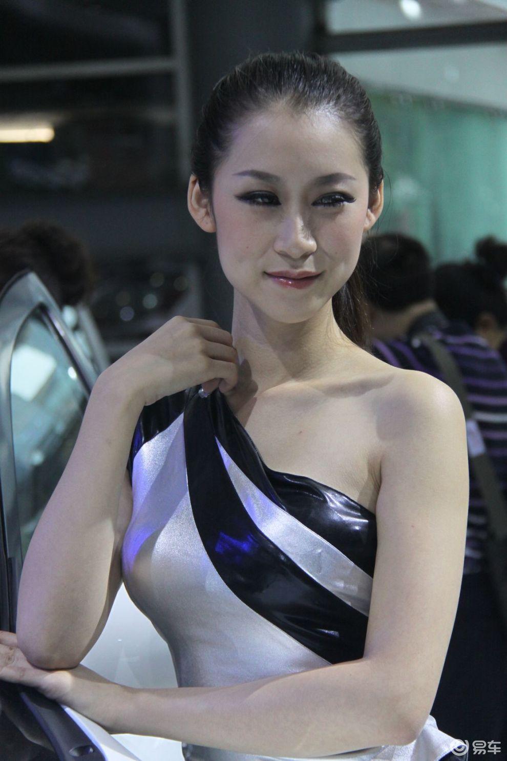 【骨感美女图片】 易车网bitautocom 竖