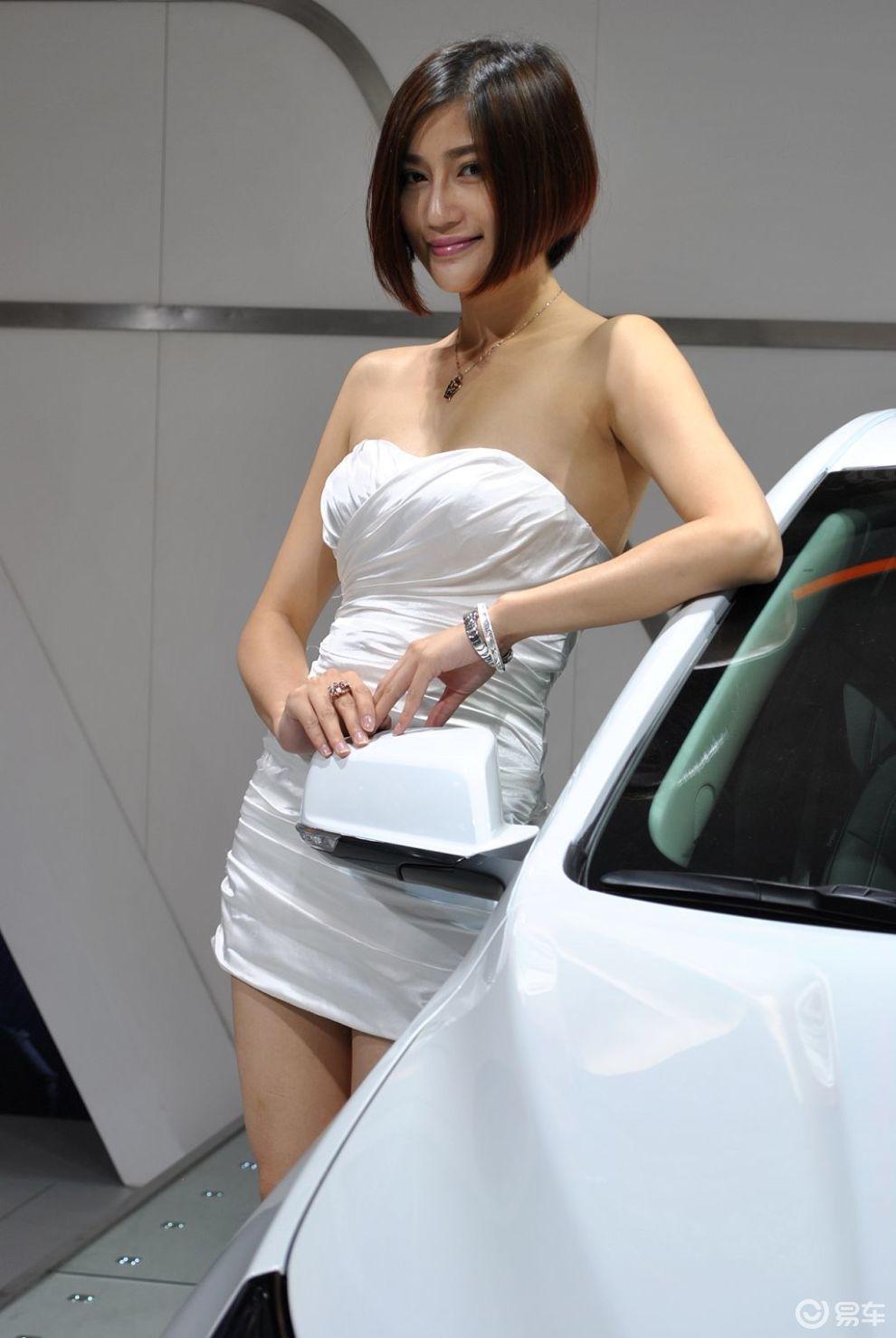 短发欧洲美女车模-汽车频道-金图片