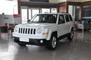Jeep 自由客 2012款 2.4L CVT 运动版