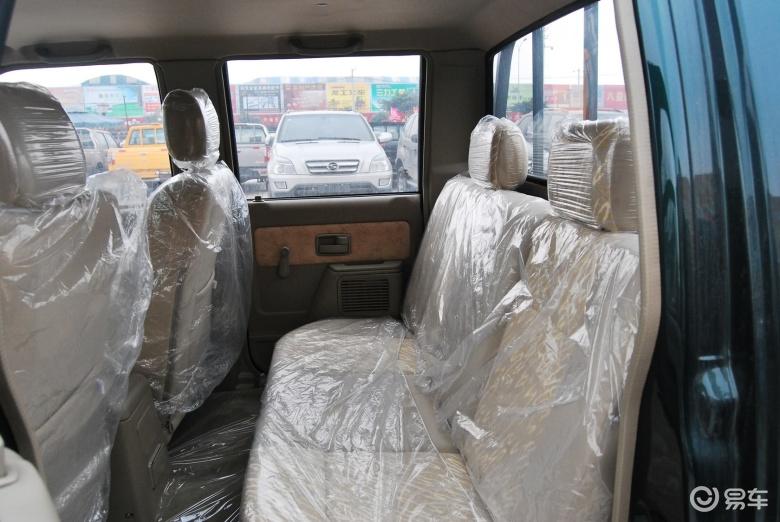 福迪小 超人皮卡 2011款2.0l nhq1021d1 柴