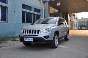 Jeep 指南者(进口) 2012款 2.0L CVT 两驱运动版