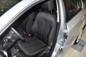 马自达2三厢驾驶员座椅图片