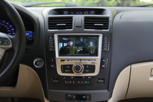 比亚迪G6中控台正面图片