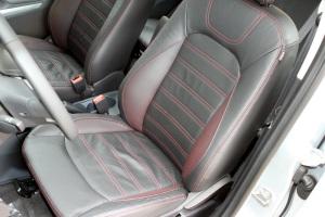 翼搏驾驶员座椅图片