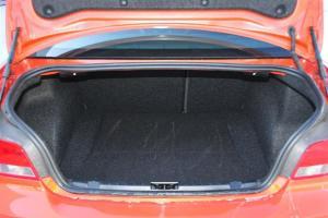 宝马1系M(进口)行李箱空间图片