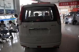 佳宝V70正车尾图片