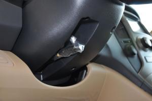 进口现代辉翼 方向盘调节键