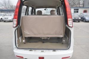 一汽佳宝V70 Ⅱ 行李箱空间