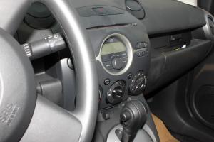 马自达2两厢 完整内饰(驾驶员位置)