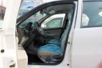 众泰Z200前排空间图片