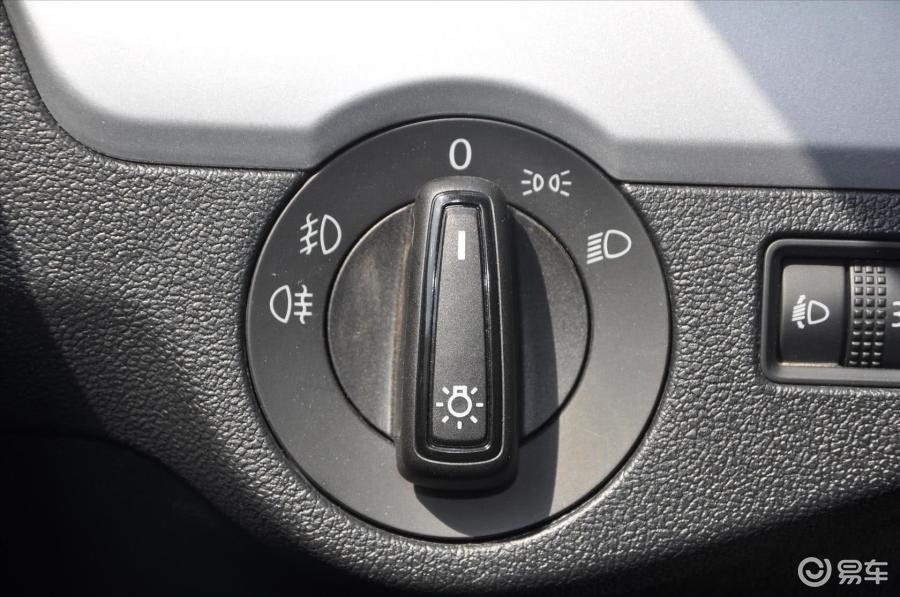汽车灯光操作杆图解 汽车灯光操作杆 捷达汽车灯光操作杆高清图片