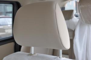 佳宝V80驾驶员头枕图片
