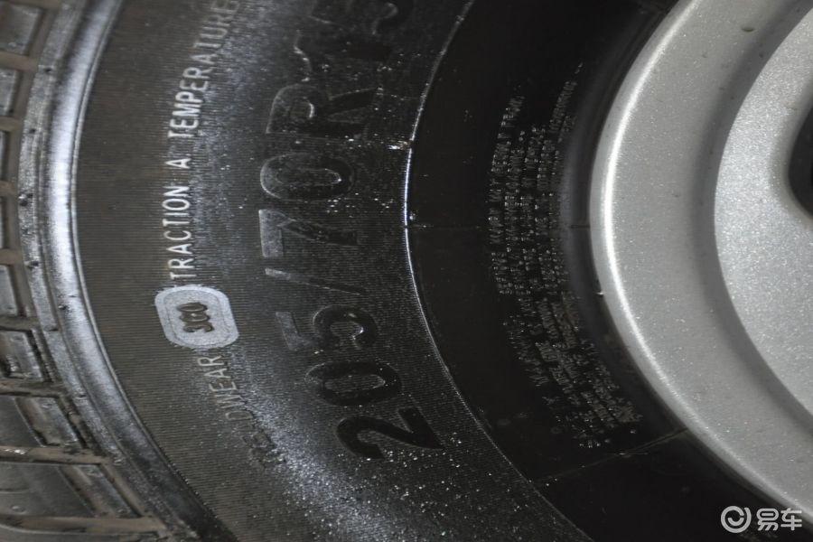 【蒙派克e2013款2.0l 手动 经典版 长轴 9座 四门 汽油版轮