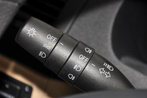 中华H320 大灯远近光调节柄