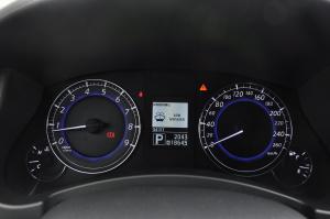 英菲尼迪EX仪表盘背光显示图片