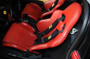 法拉利ENZO驾驶员座椅图片