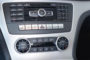 进口奔驰SL级 中控台空调控制键