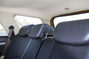 奥轩GX5后排座椅图片