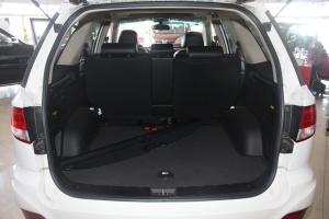 奥轩GX5 行李箱空间