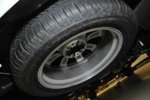 进口英菲尼迪QX80 备胎