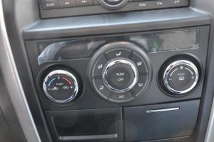 利亚纳A6三厢              中控台空调控制键