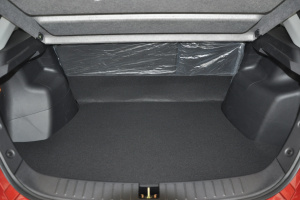 V6菱仕 行李箱空间