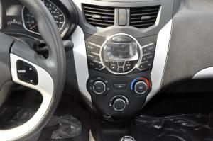 夏利N7中控台正面图片