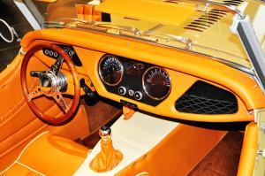 摩根Roadster 完整内饰(中间位置)