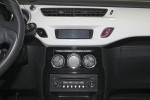 DS 3(进口)中控台正面图片