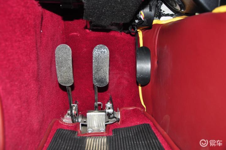 摩根Roadster脚踏板(544337);