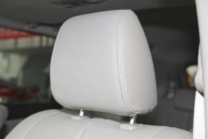 马自达8驾驶员头枕图片