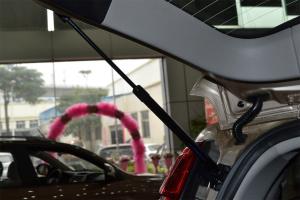 吉利SX7                行李厢支撑杆