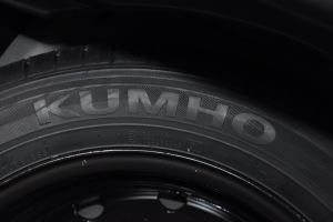 路盛E70 备胎品牌