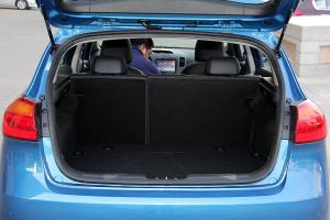 起亚K3S行李箱空间图片