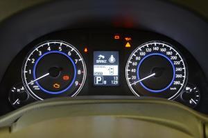 Q60仪表盘背光显示