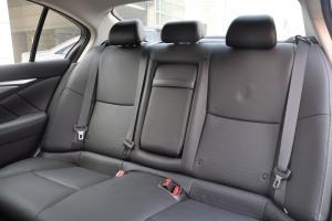 英菲尼迪Q50后排座椅图片