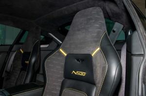阿斯顿·马丁V8 Vantage驾驶员头枕图片