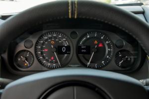 阿斯顿·马丁V8 Vantage仪表盘背光显示图片