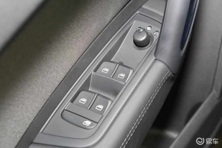 奥迪A1车窗升降键 新款奥迪A1车窗升降键 进口奥迪A1内饰图片 高清图片