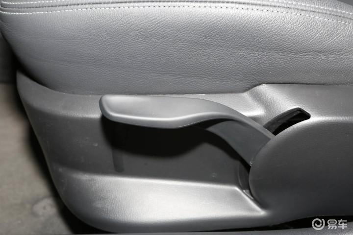 奥迪A1座椅调节键 新款奥迪A1座椅调节键 进口奥迪A1内饰图片 高清图片
