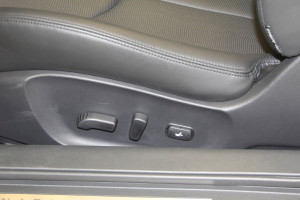 Q60座椅调节键