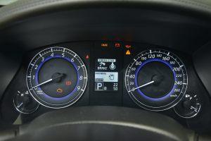 英菲尼迪QX50前排